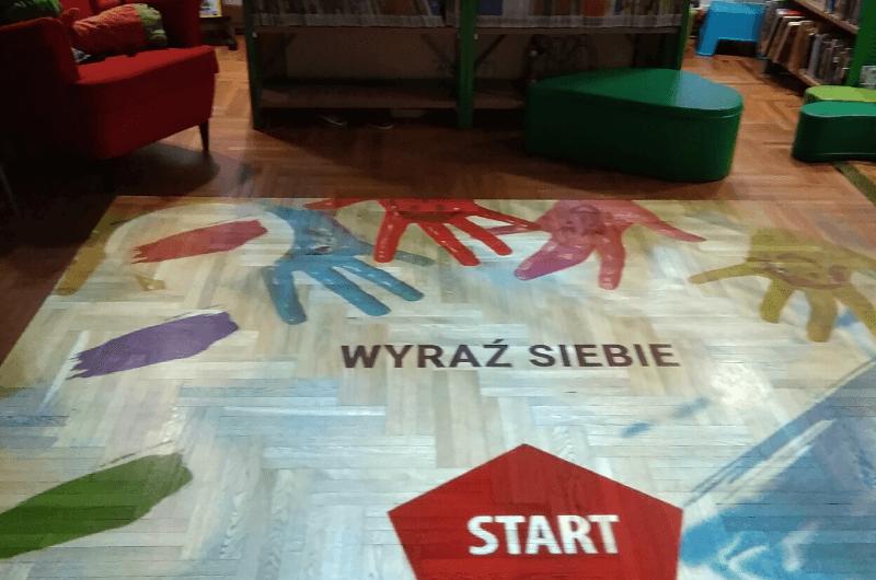 Winietka Magiczny dywan w bibliotece
